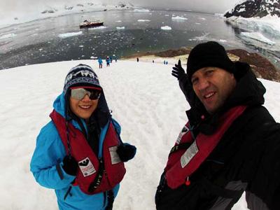 Antartida - Peter e Sandra em Paradise Bay
